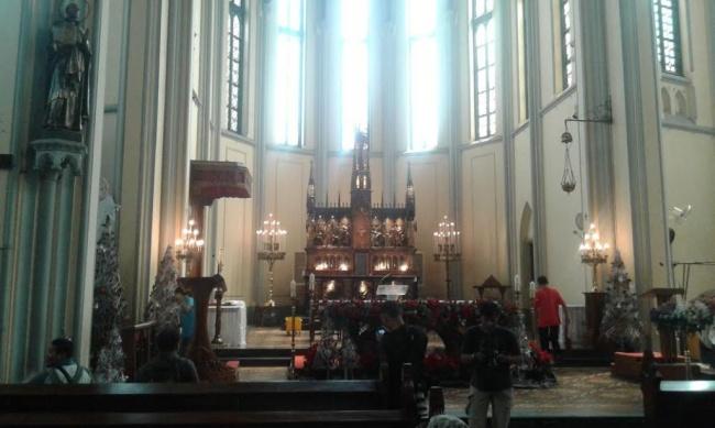 LAMPUNG POST | Pasca-Bom, Pengamanan Misa di Gereja Katedral Diperketat