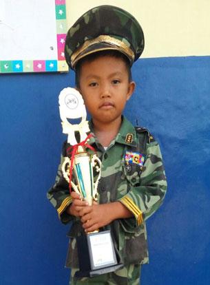 LAMPUNG POST | Muhammad Satria  Jawara Lomba Mewarnai