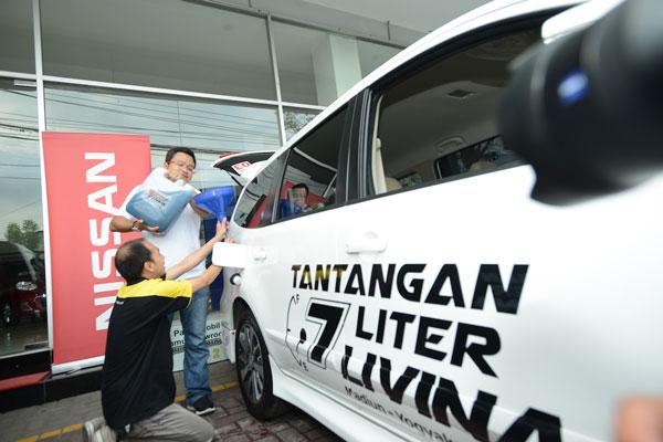LAMPUNG POST |  Nissan Gelar Tantangan 7 Liter Livina