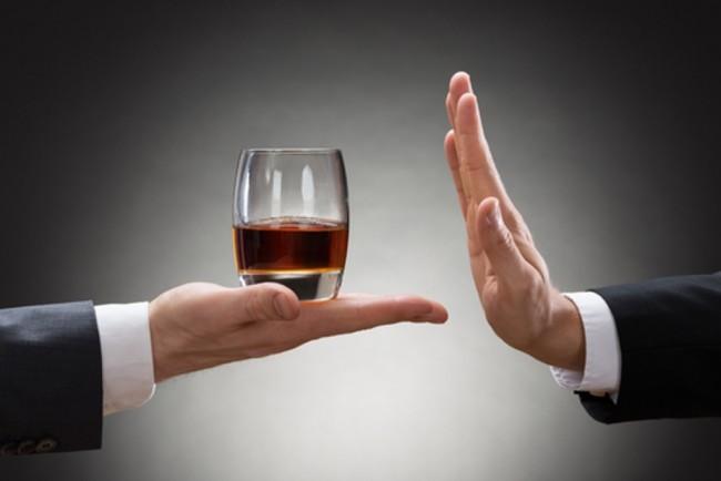 LAMPUNG POST | Berhenti Minum Alkohol? Ini yang akan Terjadi Pada Tubuh Anda