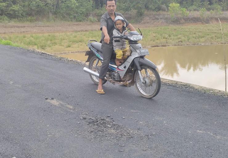 Warga Way Sulan Kecewa, Pembangunan Jalan yang Rusak Kembali