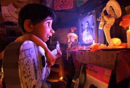Coco Jadi Film Animasi Terbaik di Golden Globe Awards 2018