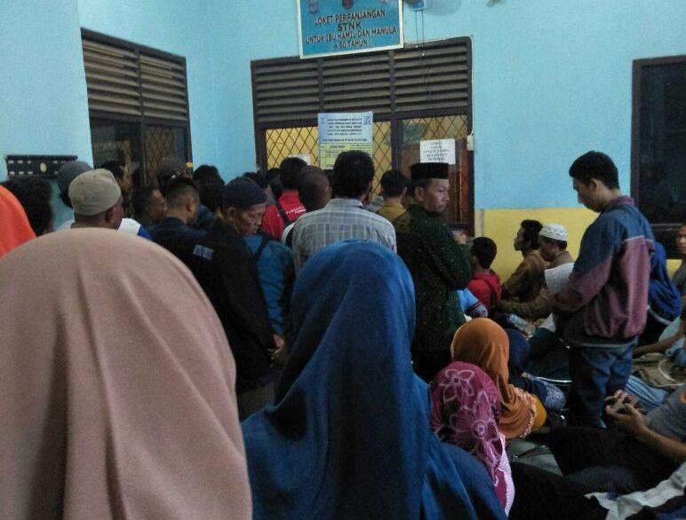 Wajib Pajak Keluhkan Layanan Perbankan di Samsat Kalianda yang Lamban