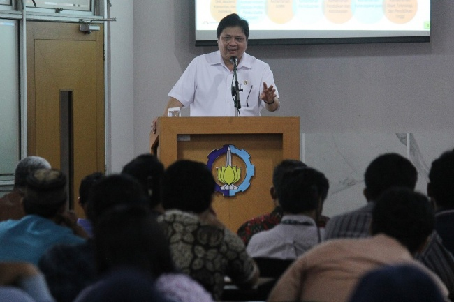 LAMPUNG POST | Airlangga Hartarto Jabat Ketum PB Wushu Indonesia
