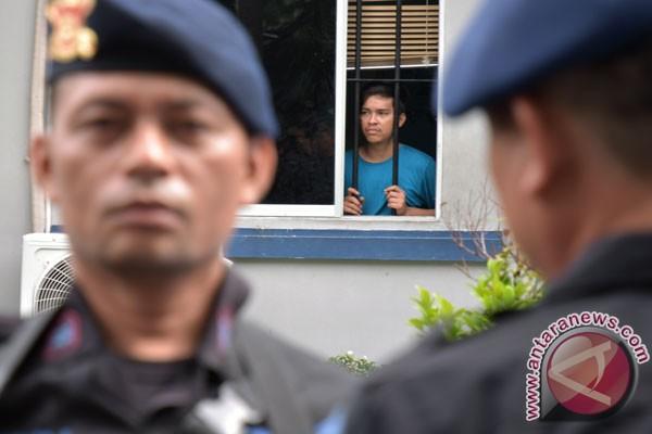LAMPUNG POST | 200 Tahanan yang Kabur di Pekanbaru Masih Buron