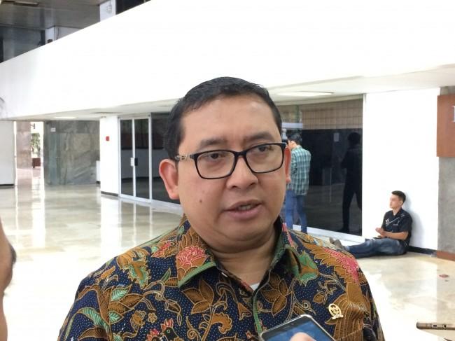 LAMPUNG POST | Fadli Zon tak Percaya Elektabilitas Jokowi Naik
