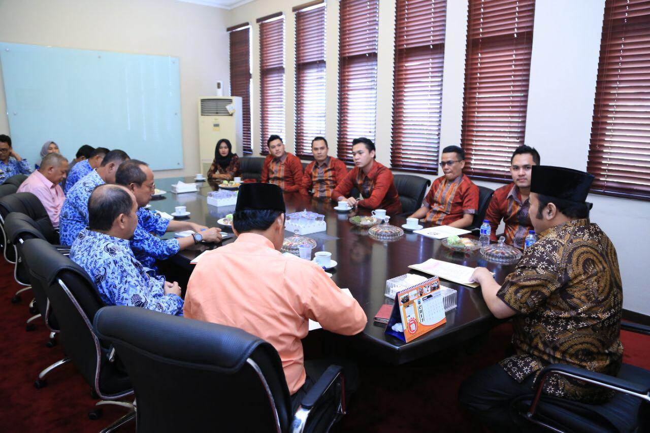 LAMPUNG POST | Bupati Zainudin Hasan Minta Gapeknas Profesional