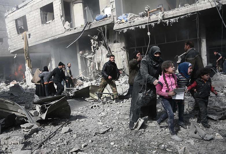 LAMPUNG POST | Rezim Suriah Bombardir Ghouta Timur, 100 Orang Tewas