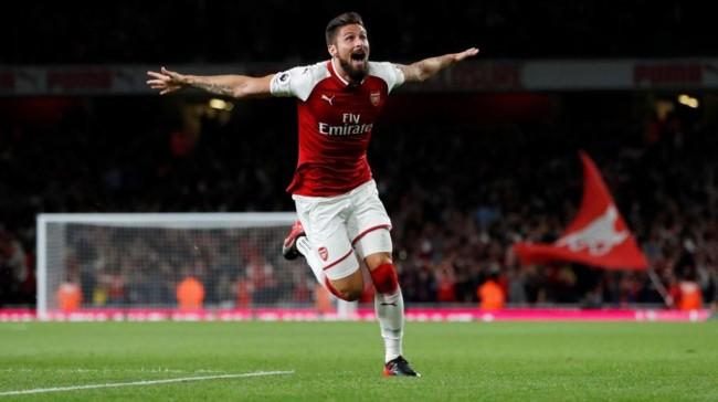 Arsenal Siap Korbankan Giroud Demi Datangkan Aubameyang