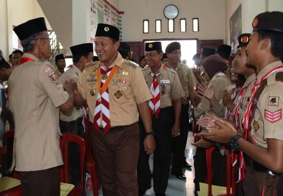 LAMPUNG POST | Pramuka Lampung Tengah Bantu Kelancaran Arus Mudik
