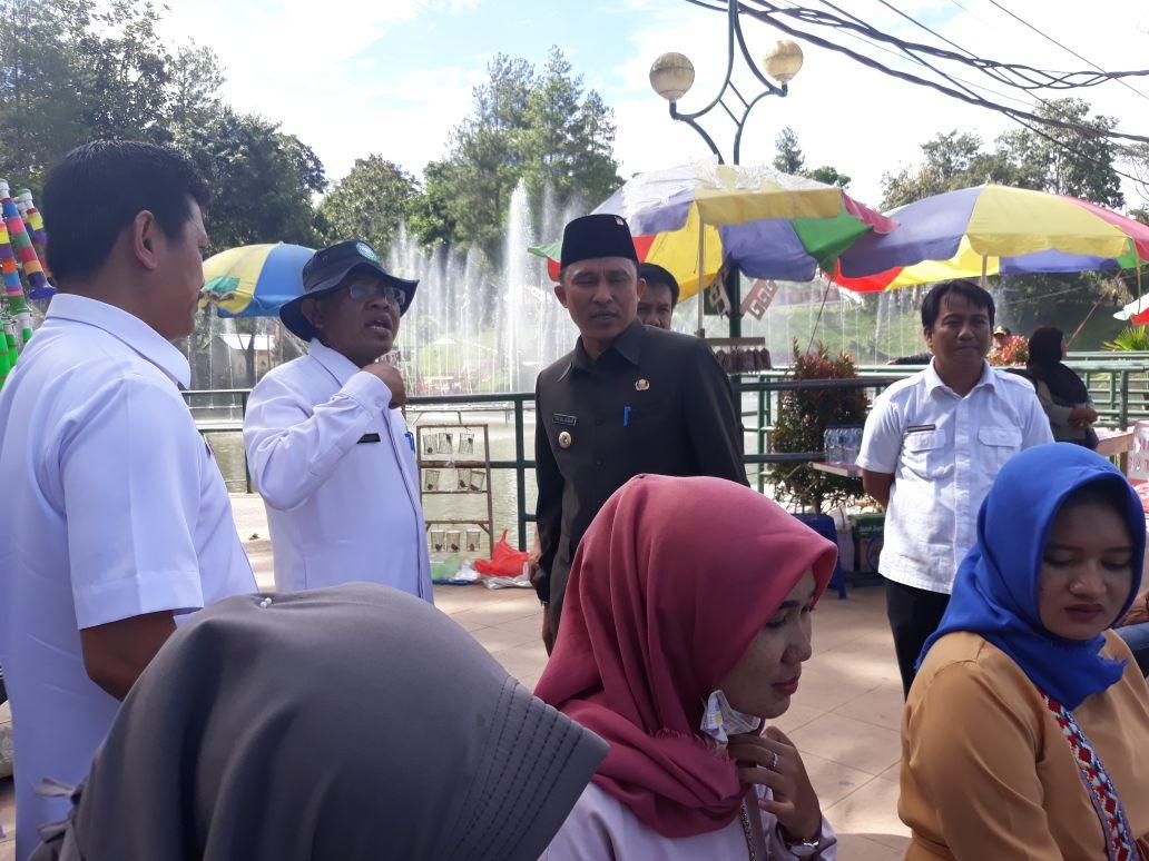 LAMPUNG POST | Tinjau KRL dan Taman Hamtebiu, Bupati Parosil Pikirkan Wisata Integrasi