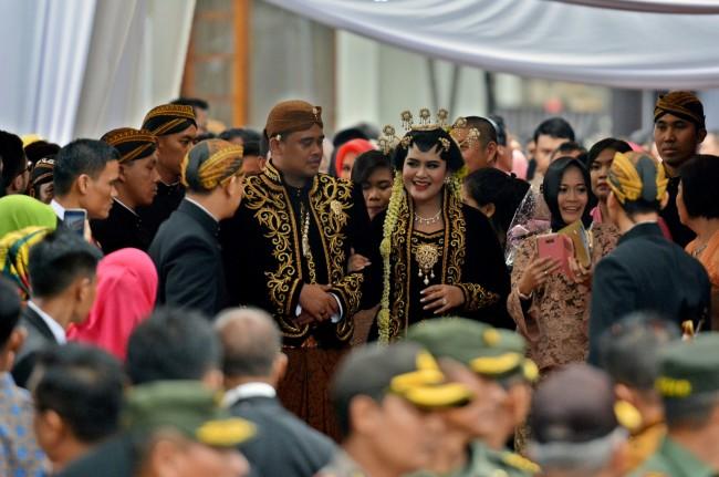 LAMPUNG POST | Putri Jokowi akan Bermarga Siregar
