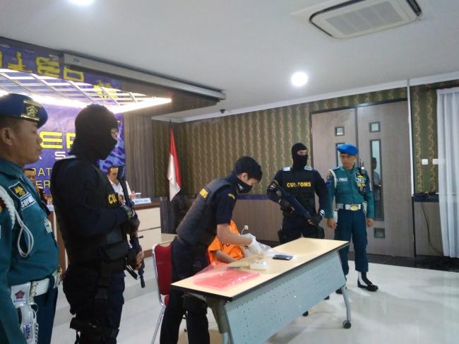 LAMPUNG POST | Bawa Sabu di dalam Perut, TKI Ini Diciduk Polisi