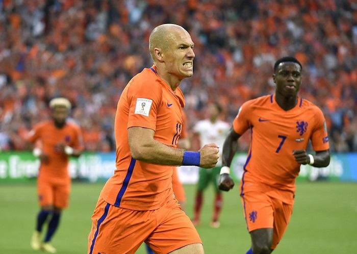 LAMPUNG POST | Robben Perpanjang Nafas Belanda