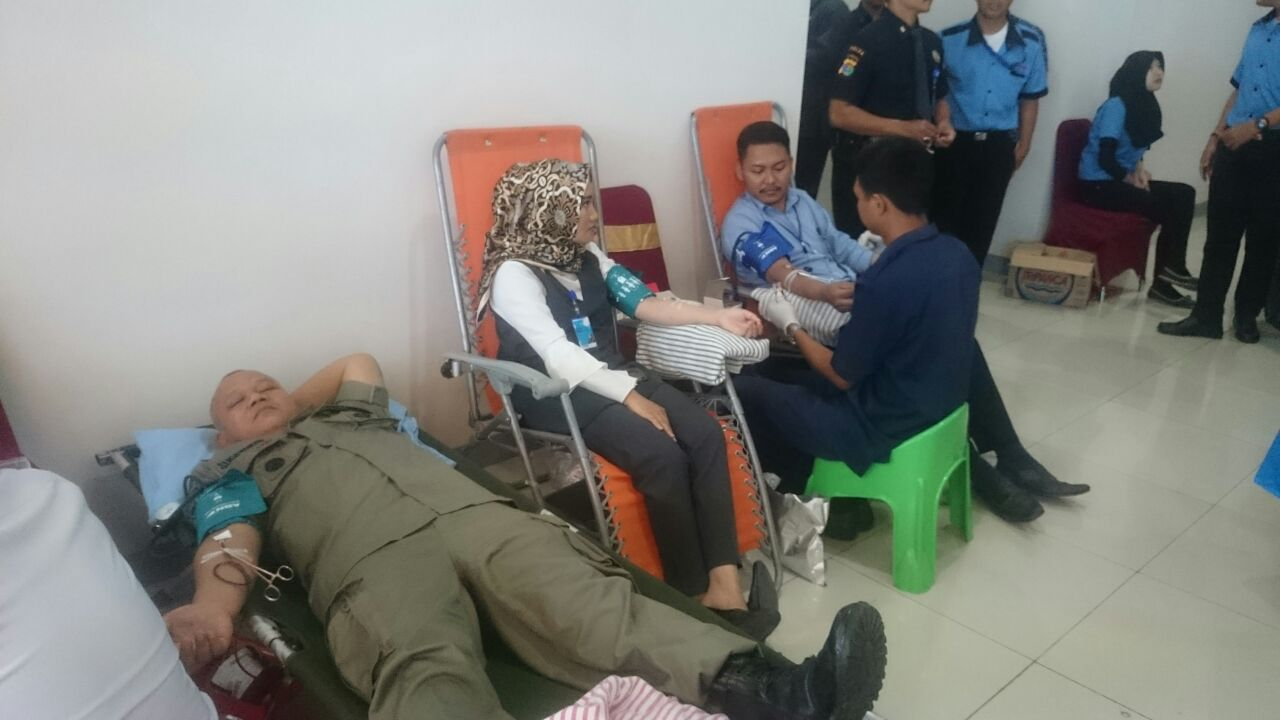 LAMPUNG POST | Kepala BI Lampung Ajak Generasi Muda Donor Darah