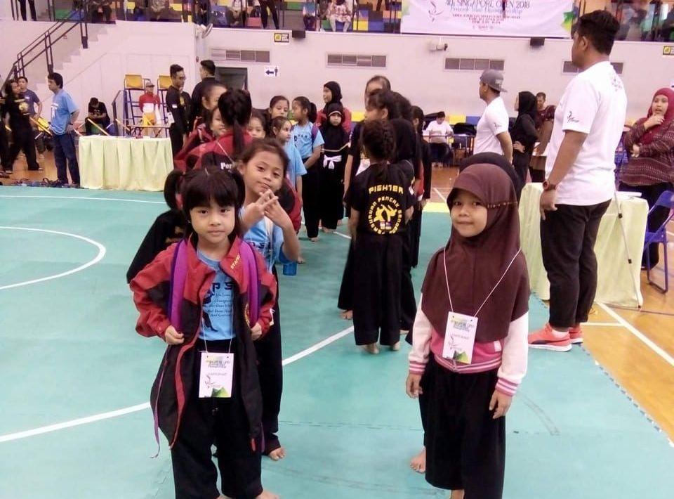 Kayla Wakili Tulangbawang Melaju ke Singapore Open Pencak Silat Campionship 2018