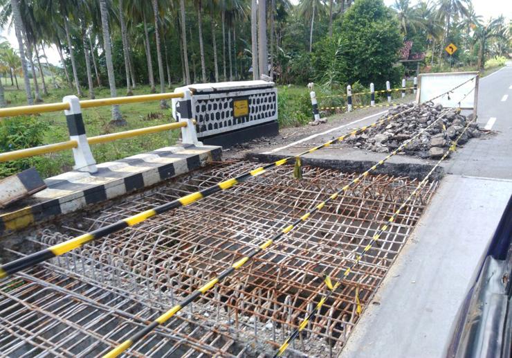 Hati-hati, Ada Perbaikan Jembatan di Jalinpanbar Pekon Wayjambu