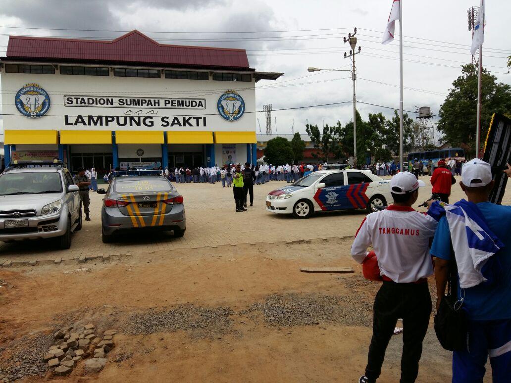 LAMPUNG POST | Pembukaan Pekan Olahraga Provinsi, Kontingen dan Peserta Padati Stadion Sumpah Pemuda