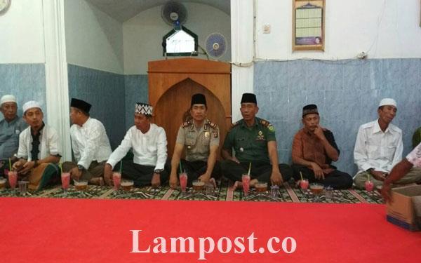 Pemkab Pesawaran Akhiri Safari Ramadan di Dusun Jaya Tani