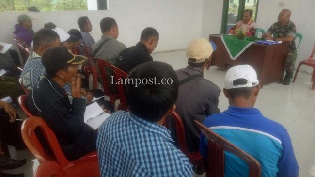LAMPUNG POST | TNI Beli Gabah Petani di Mesuji