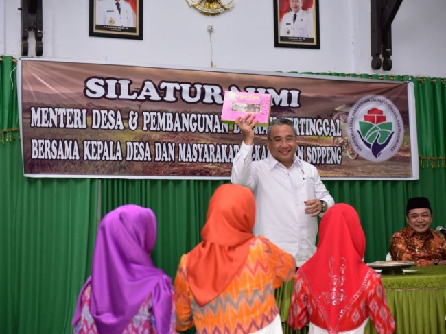 LAMPUNG POST   Dana Desa Diprediksi Serap 5,7 Juta Pekerja di Indonesia