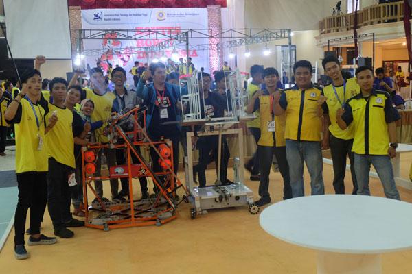 LAMPUNG POST   Teknokrat Siapkan Dua Robot ke Tingkat Nasional