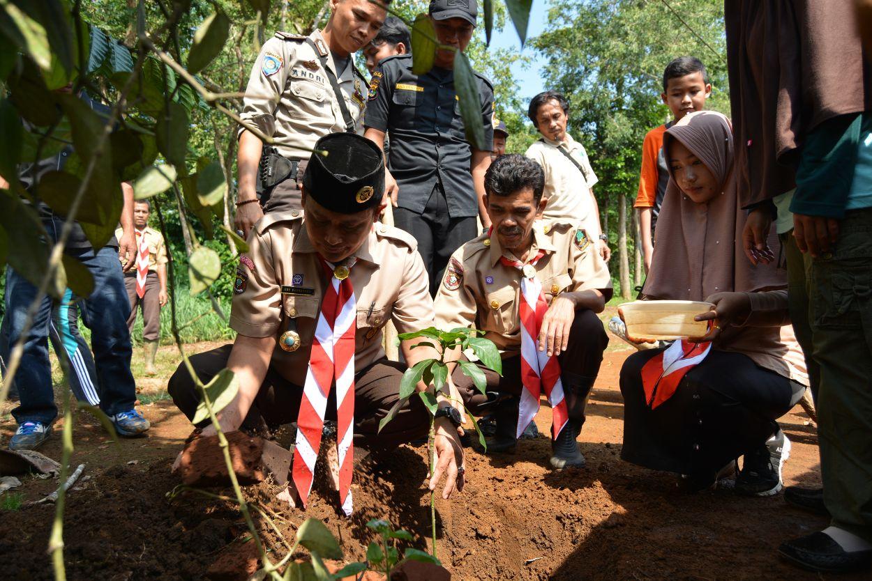 Aksi Bina Cinta Lingkungan, TNBBS Peringati Hari Bumi