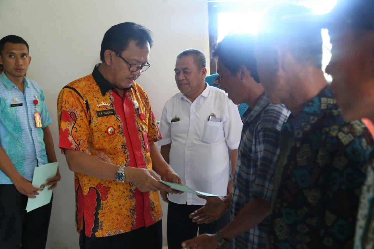 Pembagian Sertifikat PTSL untuk Kecamatan Pesisir Selatan