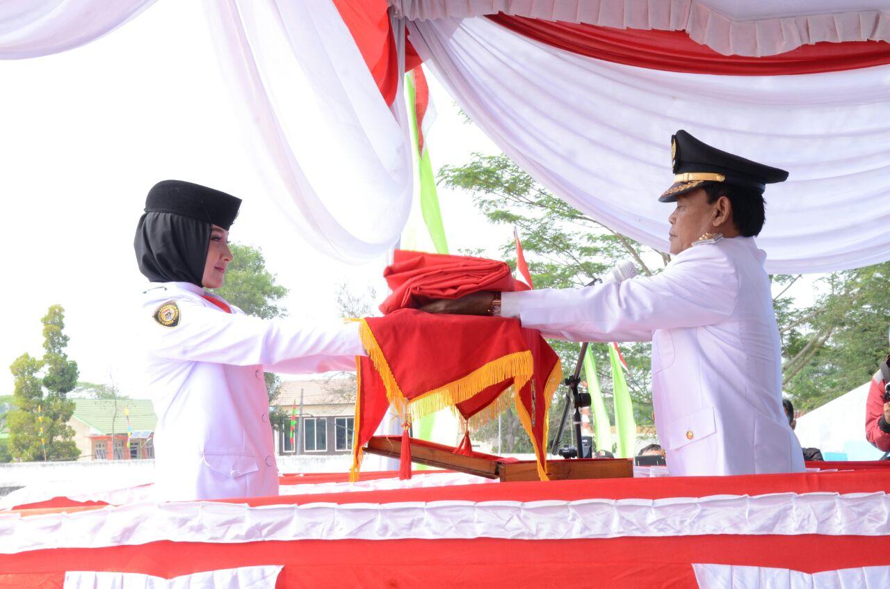 LAMPUNG POST | Wali Kota Pairin Pimpin Upacara HUT RI dan Serahkan SK Remisi ke Para Napi
