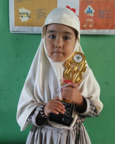 LAMPUNG POST | Shafira Dwi Puteri  Senang Bernyanyi