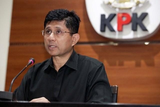 KPK Tahan Bupati Lampung Tengah