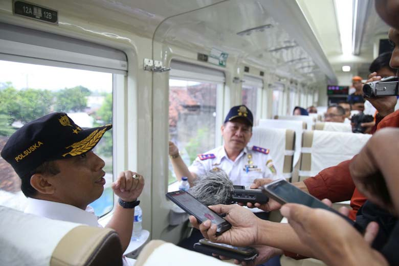 Kereta Premium Diujicobakan ke Kotabumi