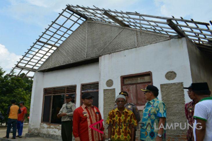 Total Kerusakan Akibat Puting Beliung di Lamtim 63 Rumah