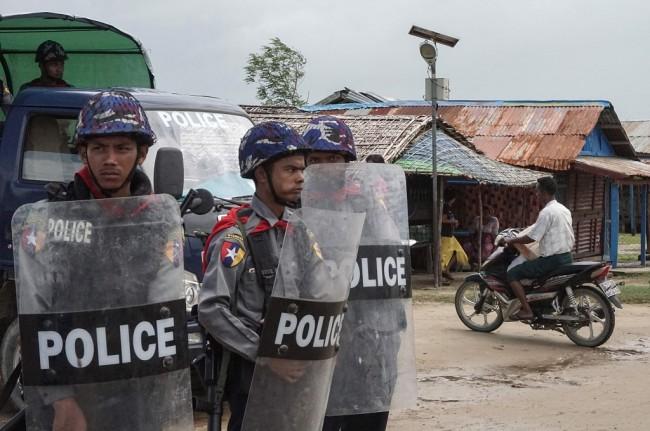 LAMPUNG POST | Tiga Ledakan Guncang Rakhine Myanmar