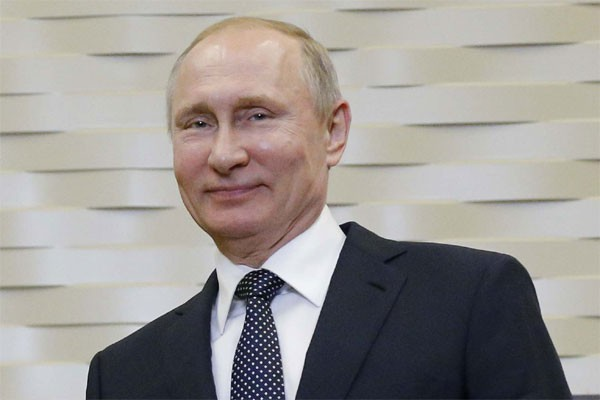 LAMPUNG POST   Popularitas Stalin Ungguli Putin