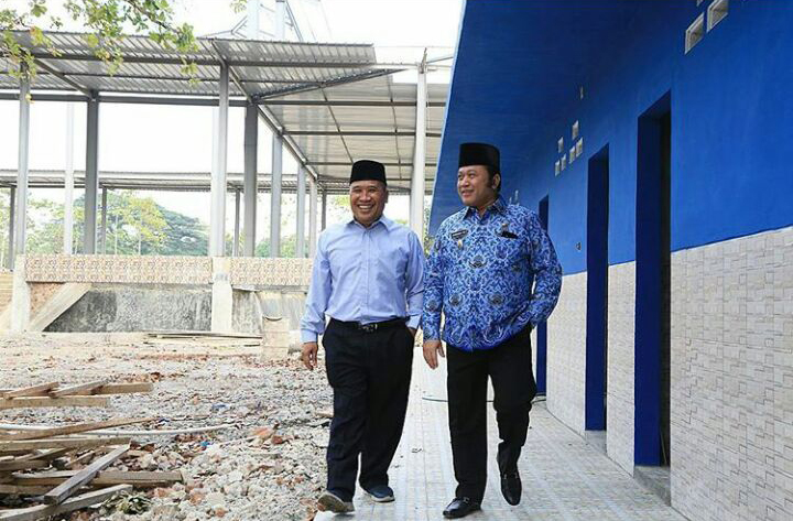 LAMPUNG POST | Zainudin Pantau Pembangunan Kantor DPW PAN