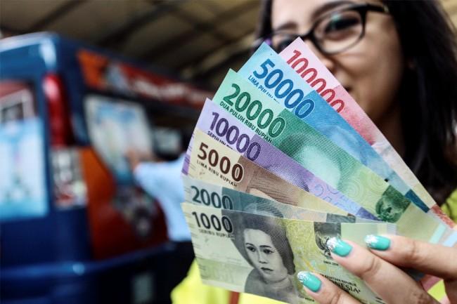 LAMPUNG POST | Rupiah Dibuka Melemah ke Level Rp13.328/USD