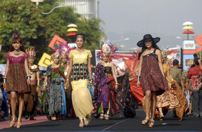 LAMPUNG POST   Gaet Turis dari Festival