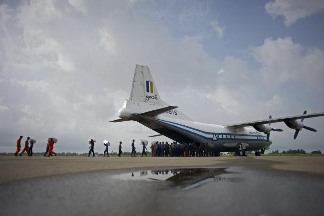 LAMPUNG POST   Sejumlah Jasad dan Puing Pesawat Militer Myanmar Ditemukan di Laut Andaman