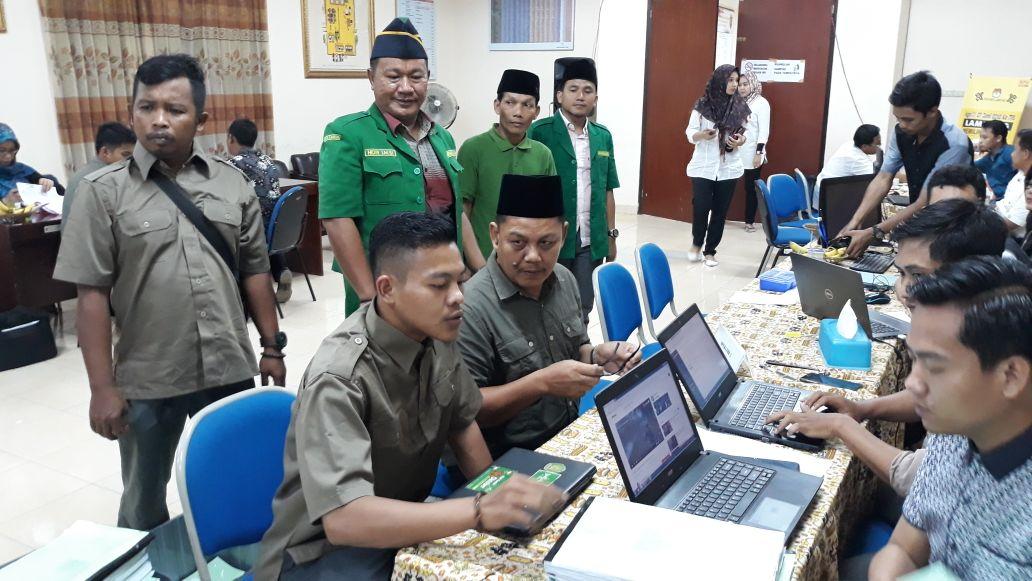 LAMPUNG POST | GP Ansor Dampingi Tatang Sumantri Daftar DPD RI ke KPU Lampung