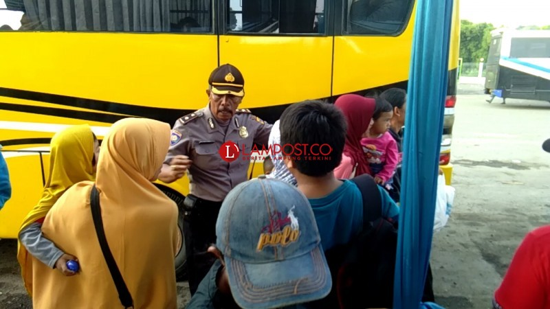 Antisipasi Tumpukan Penumpang di Terminal Rajabasa, Pemerintah Turunkan Lima Bus Bantuan