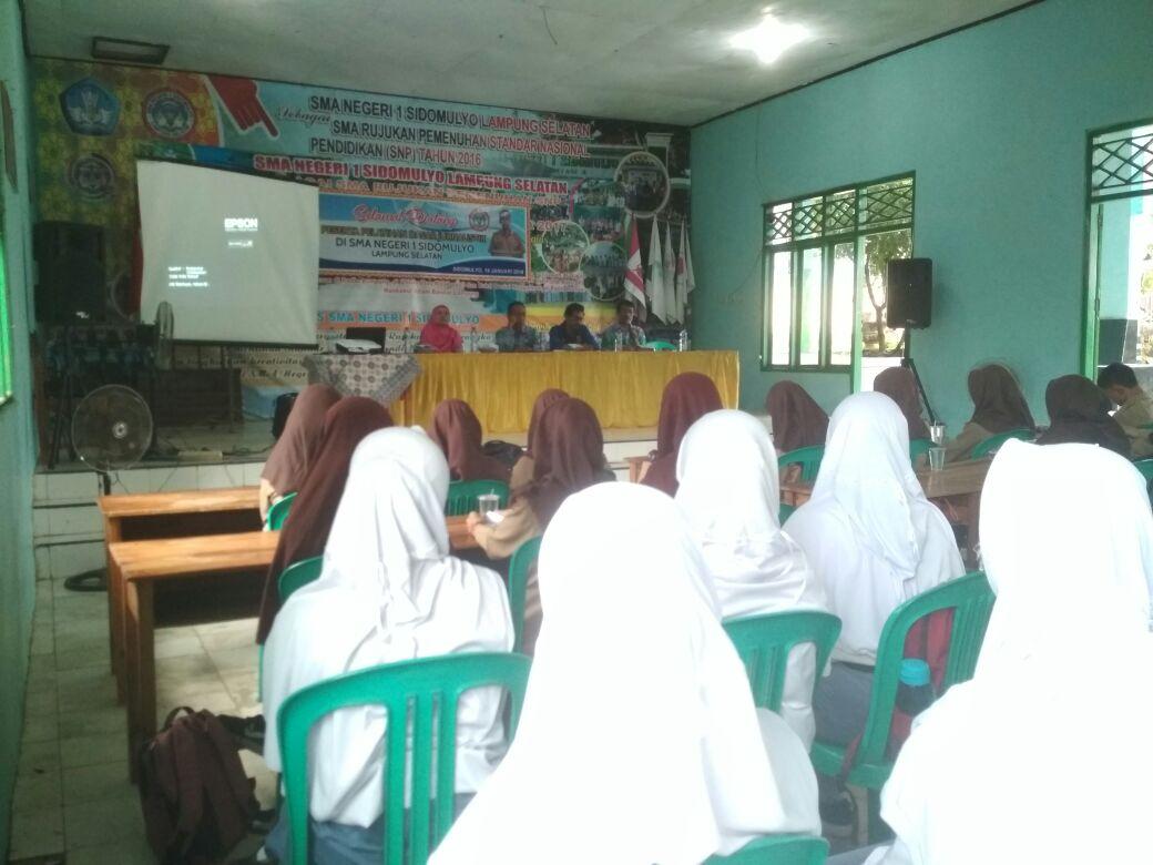 LAMPUNG POST | 50 Pelajar dari 2 SMAN Ikuti Pelatihan Dasar Jurnalistik