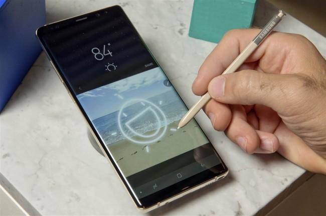 LAMPUNG POST   Baterai Galaxy Note 8 Bermasalah, Samsung Langsung Bertindak