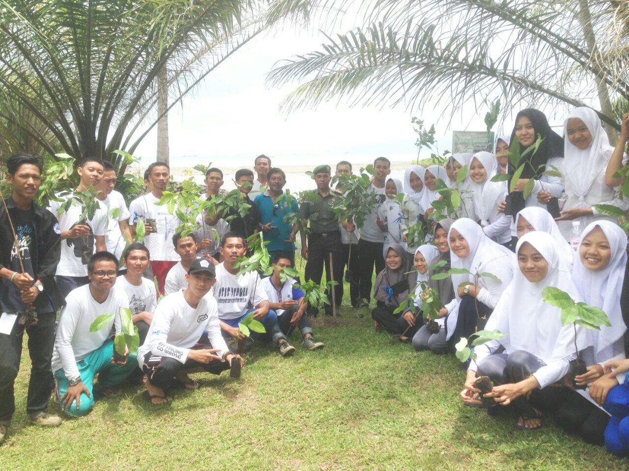 LAMPUNG POST | Sosiologi Camping Tingkatkan Solidaritas Mahasiswa, Dosen dan Alumni