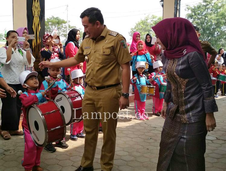 LAMPUNG POST | Dendi Buka Lomba Semarak Mewarnai dan Launching Kabupaten Layak Anak