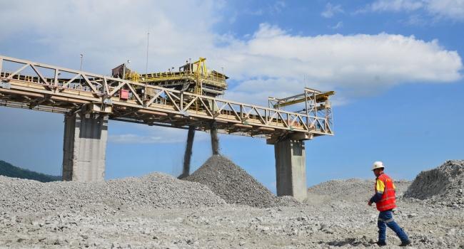 LAMPUNG POST |  Freeport Bangun Smelter Setelah Kepastian Operasional