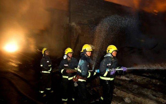 LAMPUNG POST | Kebakaran Landa Pusat Karaoke di Tiongkok, 18 Orang Tewas