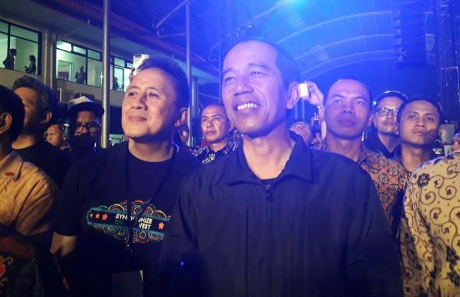 LAMPUNG POST | Jokowi Isi Malam Minggu di Synchronize Festival 2017