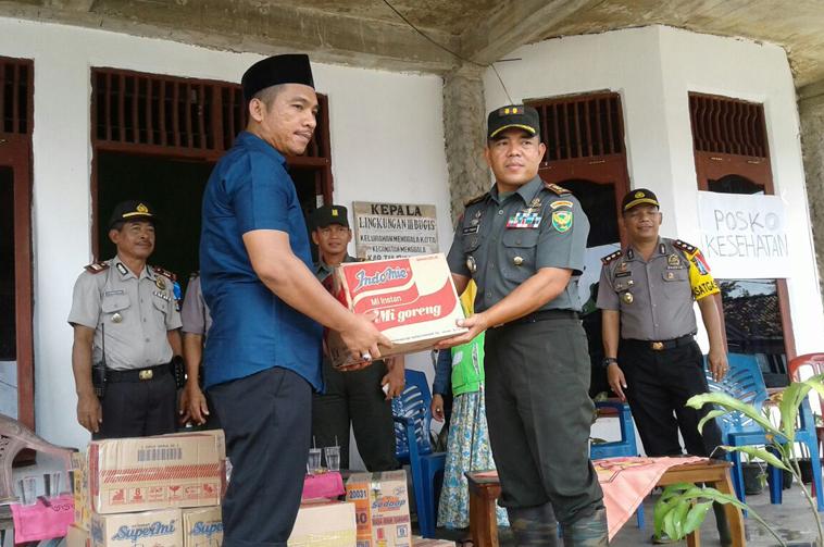 Kodim 0426 dan Polres Tuba Salurkan Bantuan Korban Banjir