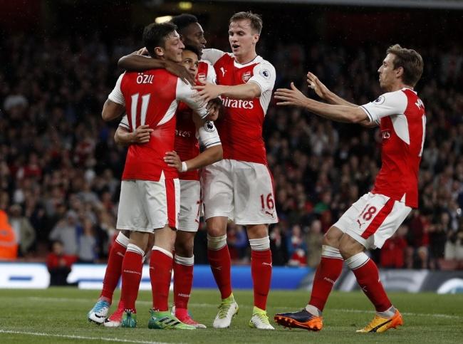 LAMPUNG POST   Dwigol Sanchez Bawa Arsenal Tundukkan Sunderland